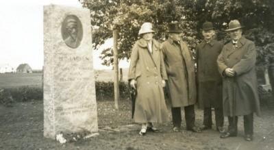 Indvielse af mindesten